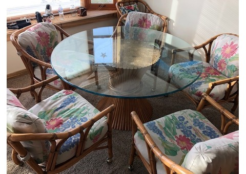 Dining table and chairs (FICKS REED)